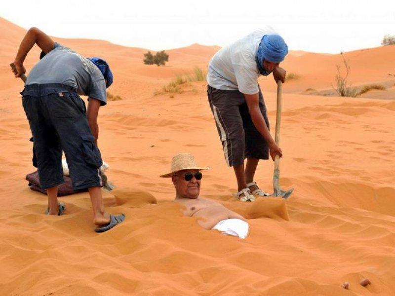 http://www.moroccodesertvip.com/wp-content/uploads/2019/01/bain_sable_1__1541907125_91231.jpg